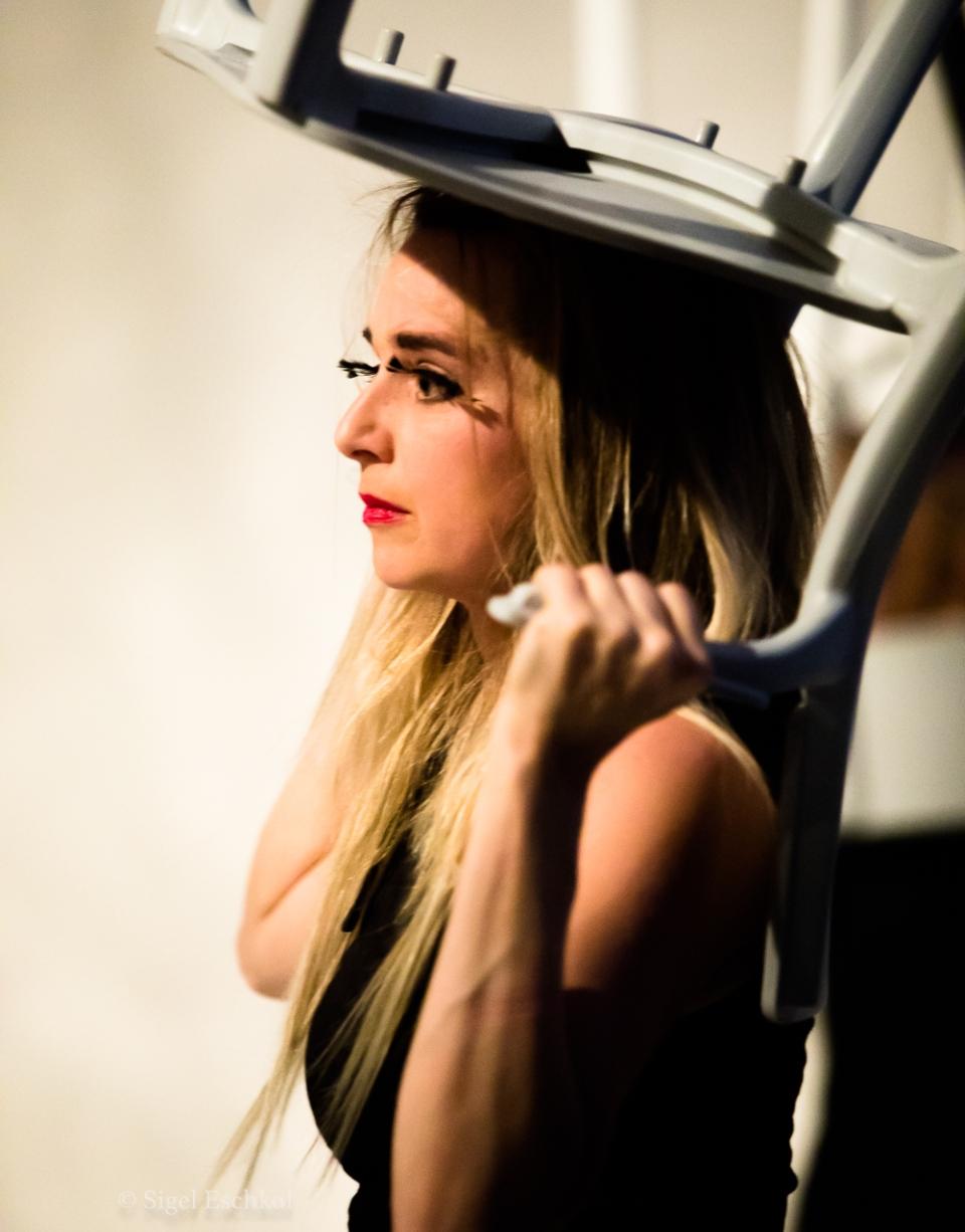 Nadja Haas Performing